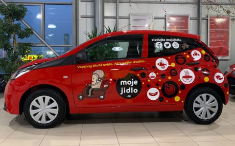 Reklamní polep Toyota Yaris